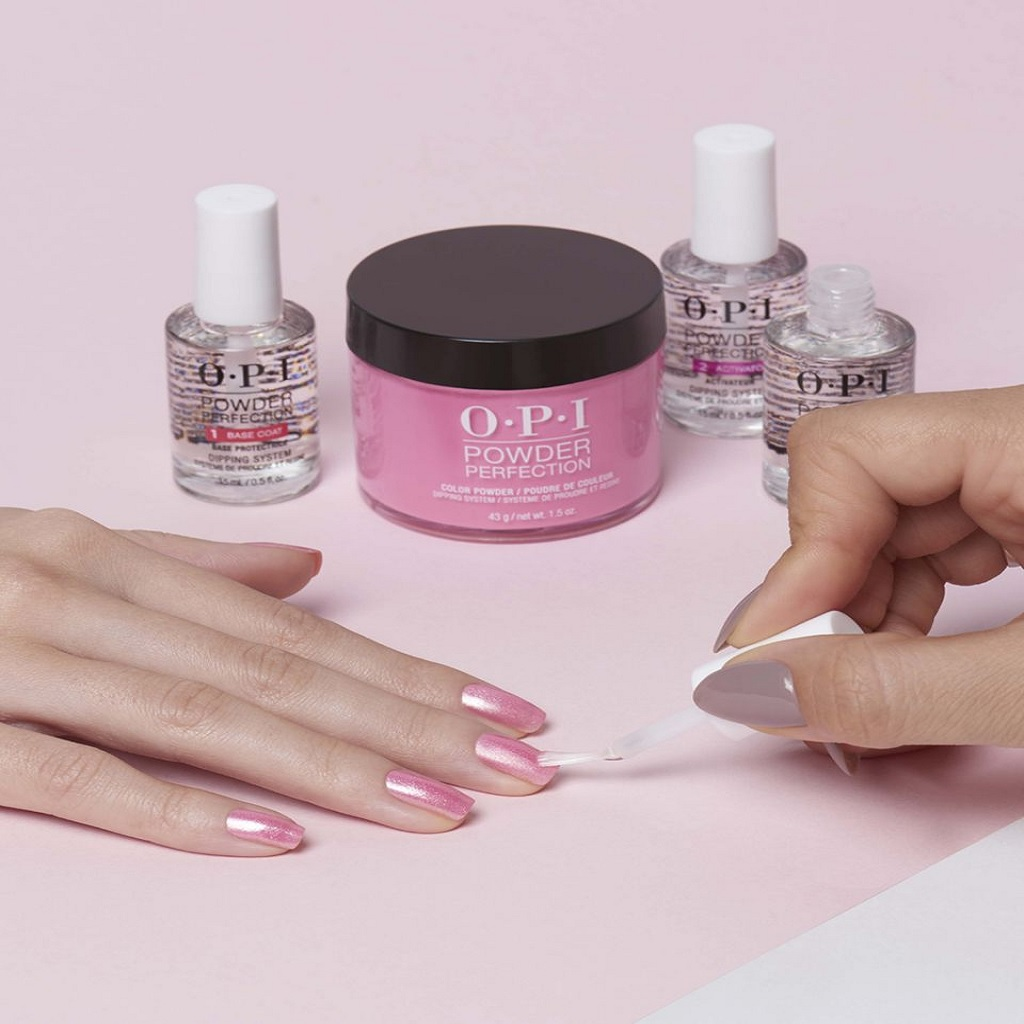 OPI Dipping Powder to Strengthen Brittle Nails